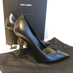 New in box opyums black with antique gold heel